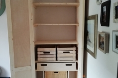 Alcove pantry with internal storage solutions