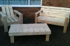 pallet wood chair beench and table