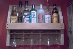 pallet wood cocktail rack