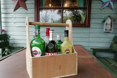 Six bottle drinks caddy from recalimed plywood